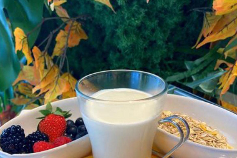 Colazione sana: yogurt e cereali
